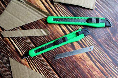 Ножи с прямым сменным лезвием 9мм
